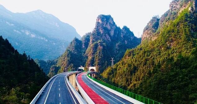 桑植_12月26日,张(张家界)桑(桑植)高速公路建设已基本完工,预计于本月31日
