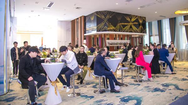 世茂·铂曼营销中心开放 长沙首届ONE有引力论道滨江