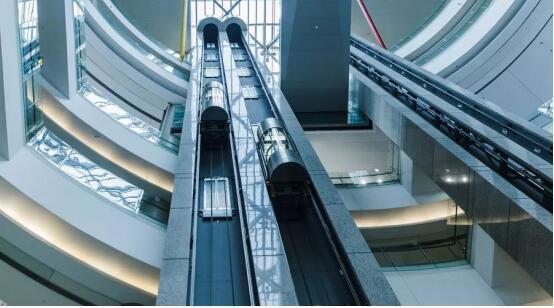 新湖南大厦:30秒到达248米的高空!信不信由你!