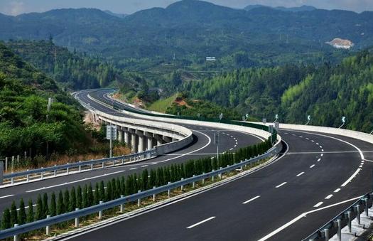 清明假期全省高速车流906万辆
