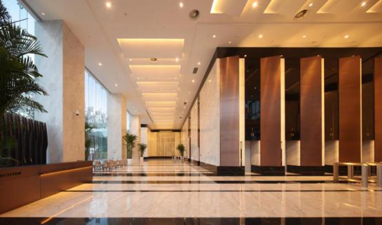 银泰中心超甲级写字楼3号楼入户大厅实景图片