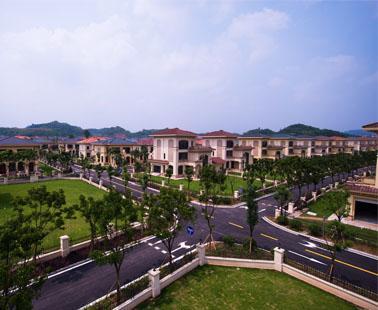 恒大山水城:川西原生态温泉国际旅游度假区