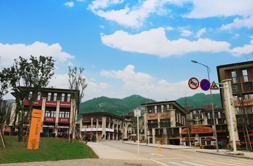 阳光100街区中国行明日出发 标杆鉴证街区价值