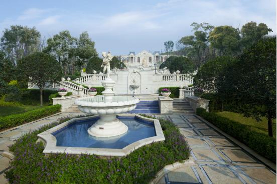 湖山生活呈现 融创凡尔赛花园给业主家的质感