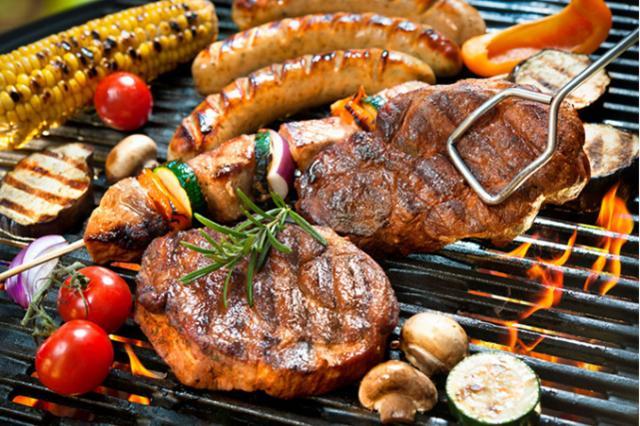 万人烧烤大会、千斤烤全牛、网红美食……本周末圣名再掀美食风暴!