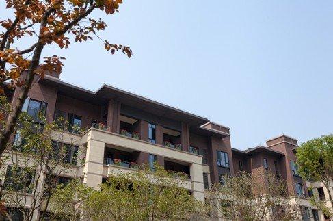 万科悦湾朗悦台别墅区里的高层小别墅乡村两复式新品层图片