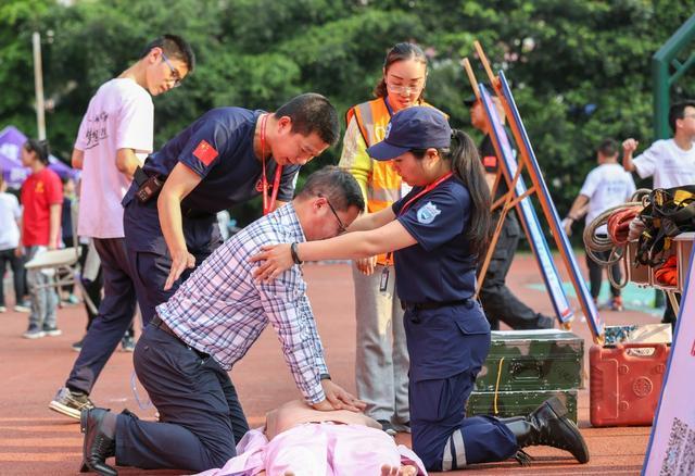滴滴纯悦,守护平安——推进校园安全建设,中可重庆厂在行动