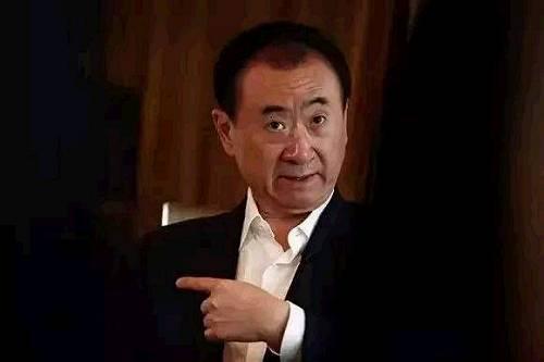 王健林和潘石屹忙着甩卖资产,房地产究竟怎么了?