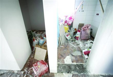 装修垃圾清运困业主:物业不管 有关部门不受理