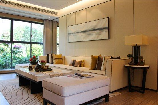 小房间,为赠送的部分,业主可以根据自身的需求设计为休息室,茶室或者图片
