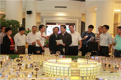 杭东副市长调研东南·国际建材城