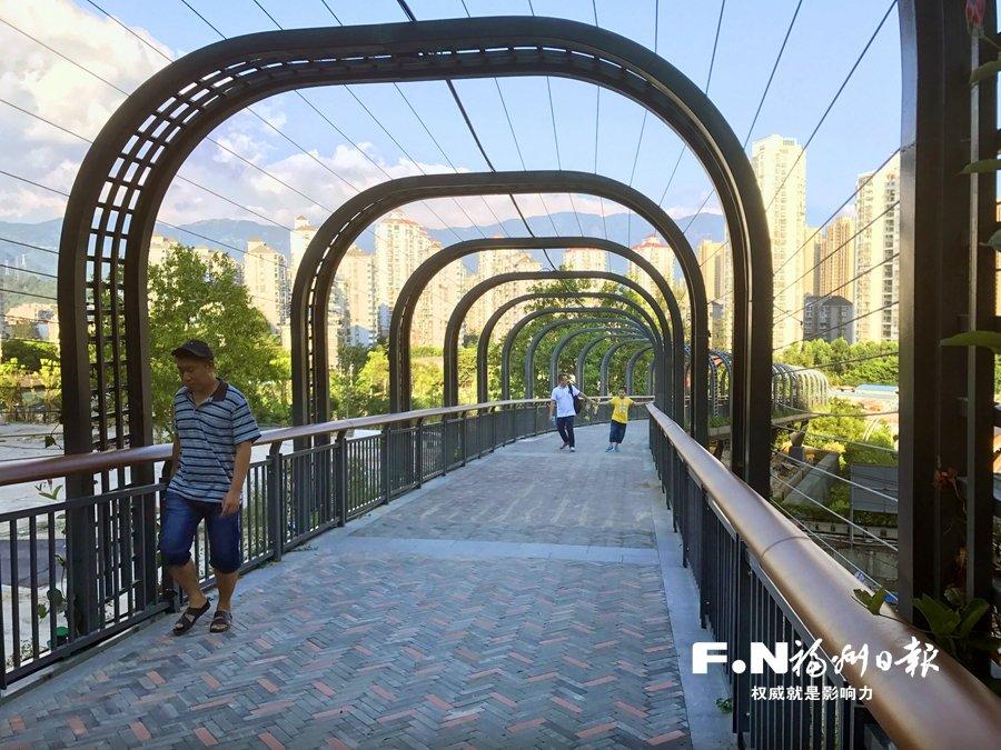 金鸡山公园东入口正式开放茉莉花台花香四溢