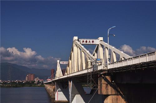 橘园洲大桥_闽侯上街镇位于福州市西郊,东临乌龙江,经过洪塘大桥,橘园洲大桥与