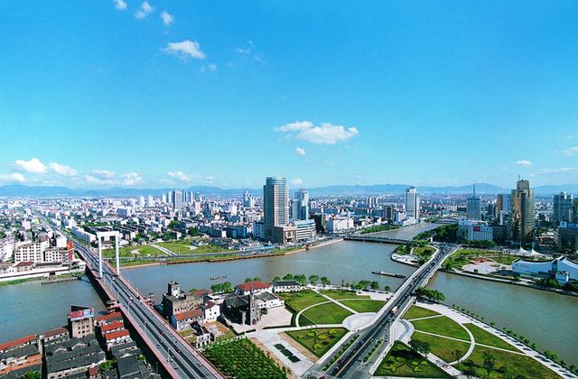 宁波市总人口_2019年宁波市GDP总量接近1.2万亿元,经济实力继续迈上一个新台阶(2)