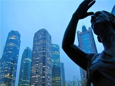 深圳此前房价不及上海,但经历了一轮大涨后,去年深圳成为了中国一手