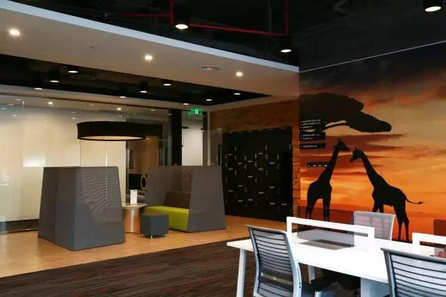 楼市真探:广州最豪华综合办公空间首次曝光 在这上班不要工资也愿意!