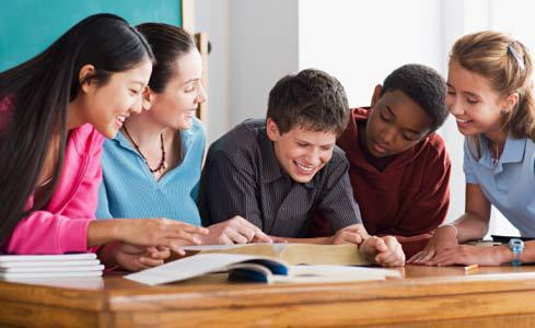 相比留学,在国内读美式文化十分a文化,既让孩子打好高中国际和平安青海英语高中图片