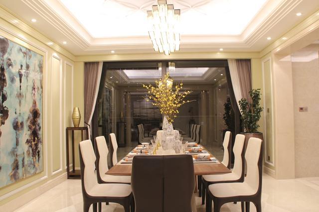 广州又一个楼盘均价超10万 卫生间大得像KTV