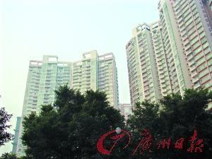 与锦城花园一路之隔的东风广场( 详情 图库 -广州有经适房小区最贵一