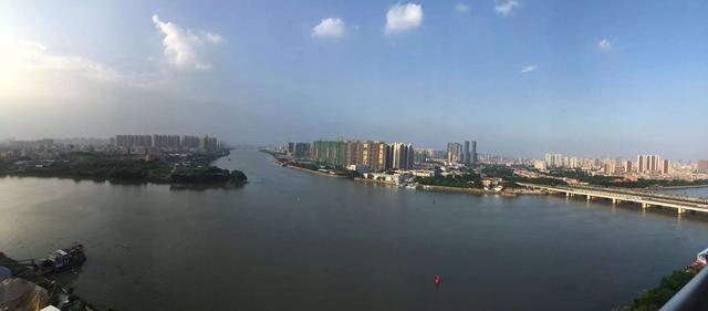 """处于广州市千亿巨资打造的白鹅潭经济圈内,与""""国际花园岛""""大坦沙隔江"""