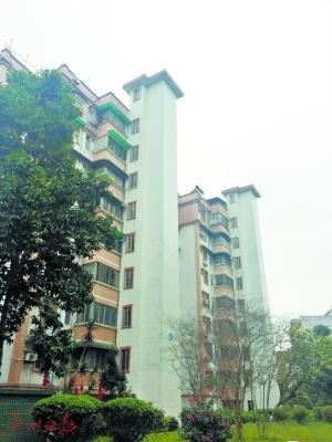 楼梯楼加装电梯受欢迎 日均1.4栋楼梯楼提出加装申请