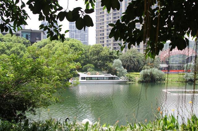 楼市真探:南沙竟有这种豪宅 天然湖泊+山体园林超爽