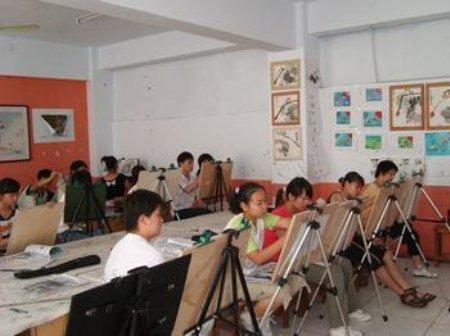 碧桂园假日半岛暑期绘画培训班即将开班啦!