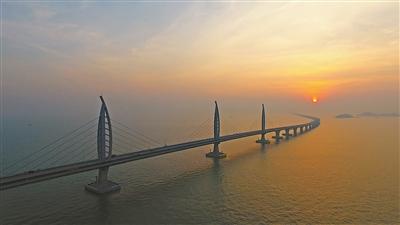 港珠澳大桥 主体可通车