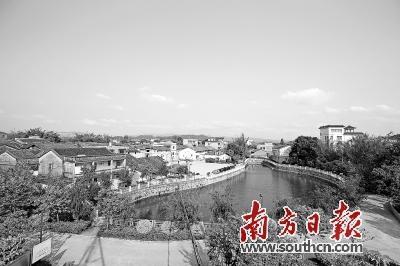 墨园村如今被上万株绿化植物环绕,风景宜人。南方日报记者 王昌辉 摄