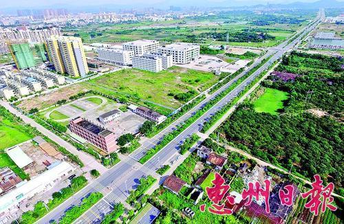 潼湖生态智慧区交通设施不断完善。 本报记者李松权 摄