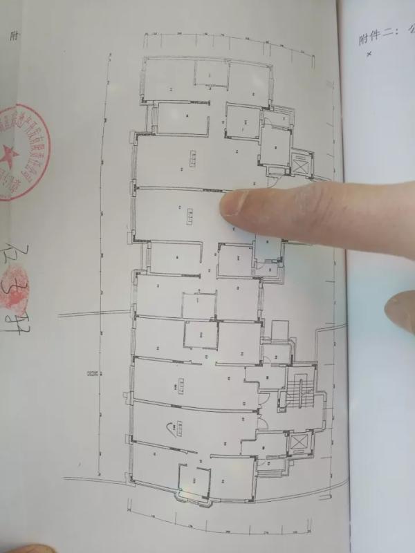 多家房企同陷质量门:承重墙用手可抠下水泥渣块