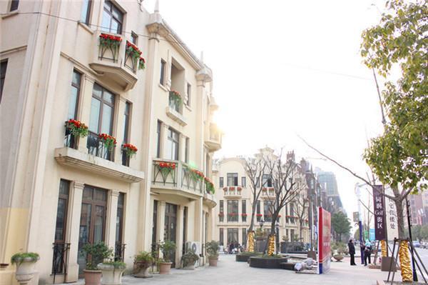 上海风情的车墩影视基地等景点遥相呼应.   同润golf街区位高清图片