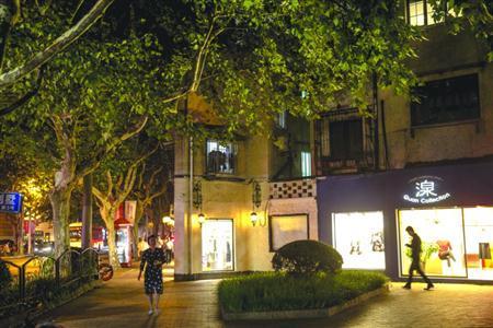 沪衡山路:婆娑的梧桐树影抖落 百年繁华旧梦