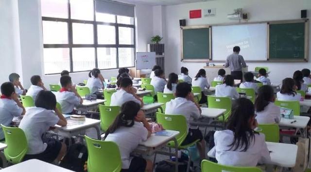 嘉定世界外国语学校结构封顶 8月竣工交付