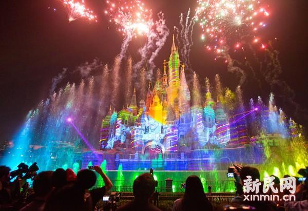 上海迪士尼开幕一周年已接待超过1100万名游客