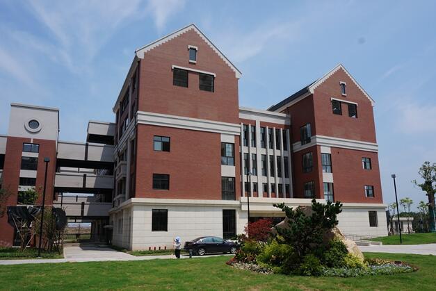 优质高中都在郊区建分校 名校旁安家很容易