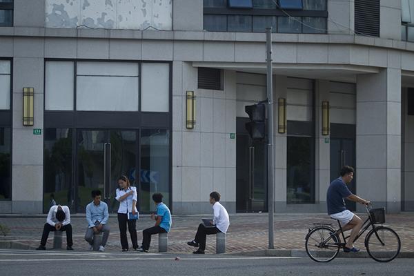 上海临港规划80万人现有5万 调研呼吁新城地铁开行快车