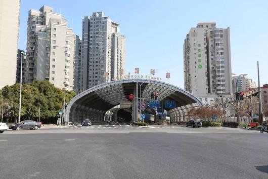 新建路隧道浦西出口拓宽啦 虹口至浦东更方便