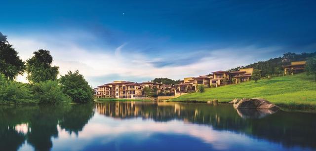 新世界名镌 新品现正推出建面约184-223㎡湖山平墅