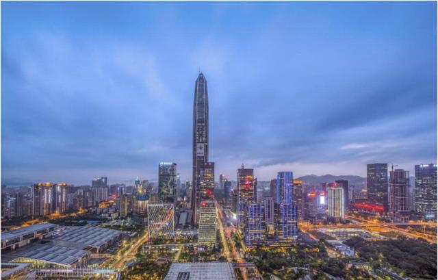 """细数""""深圳第一高楼""""变迁 龙岗大运将成下一个CBD"""