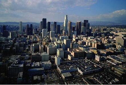 房地产投资属性降低
