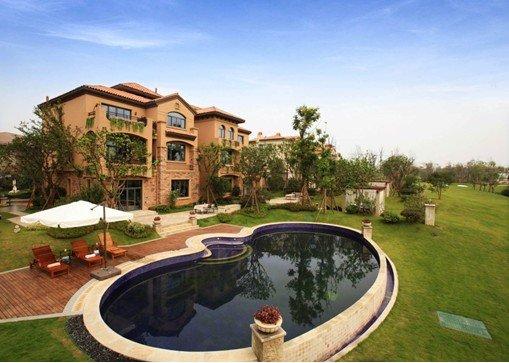 山湖别墅,拥大花园,奢享泳池;75-140m精装洋房,部分标配地源热