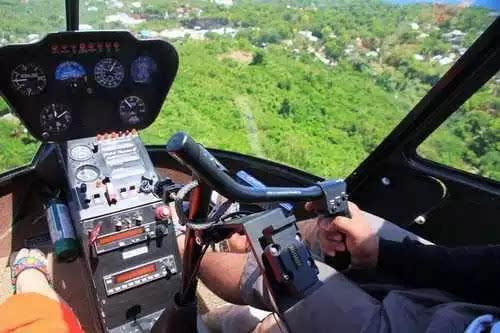 卧龙墨水湖边这次玩大啦 价值百万的直升飞机免费坐