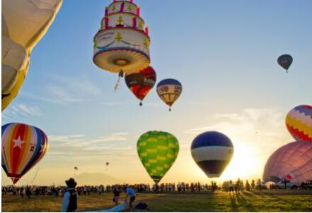 碧桂园生态城:飞屋环游大武汉 热气球带你起飞!