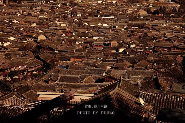 地产人物志 | 胡皓:人生如同摄影,把握现在,无问西东。