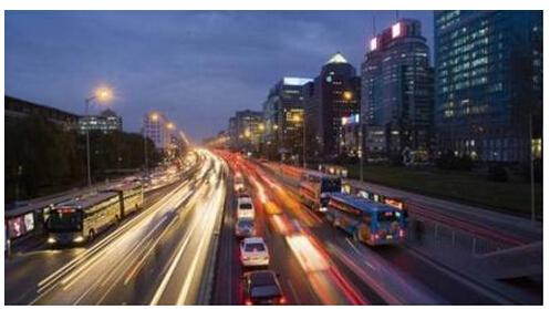 现代都市生活_不在中心依然控中心奢享现代都市生活