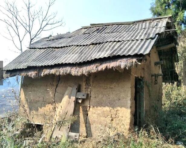 荒山巨石上的破房子现在值几十亿