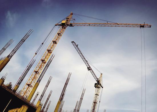 上半年全国房地产供地降38% 住宅地价环比增1%