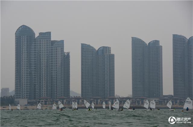 """首届厦门""""万安杯""""青少年帆船锦标赛扬帆环东海域"""