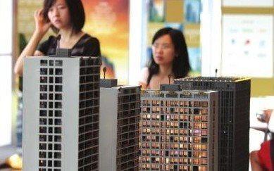 一年挣得不够房价一月涨的 专家为年轻人购房支招